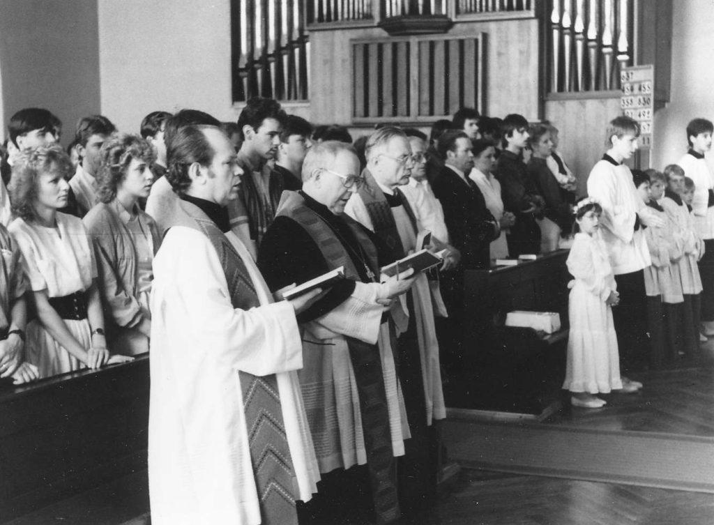 """Kirche """"Heiliger Geist"""" Weinböhla 61"""